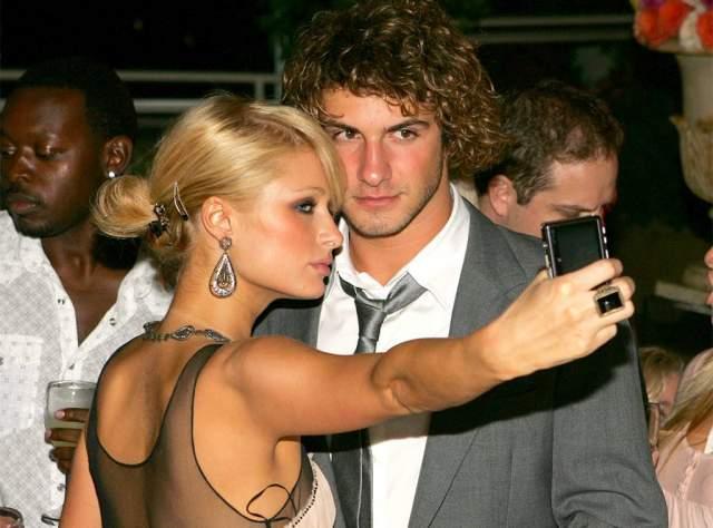В октябре 2005 года юноша бросил Олсен ради Хилтон после полугодичного романа.