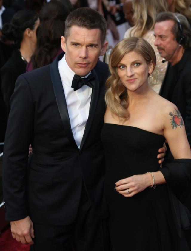 Причиной их развода была названа измена со стороны супруга – Хоук закрутил роман с няней двух своих детей по имени Райан Шохьюс.