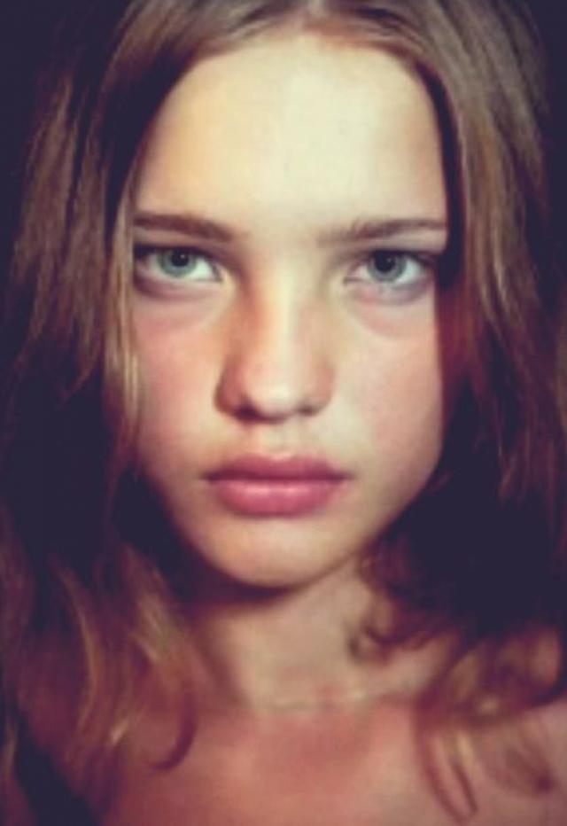 Скаут предложил Водяновой поступить в модельную академию, где преподавали хорошие манеры и этикет, что она и сделала.