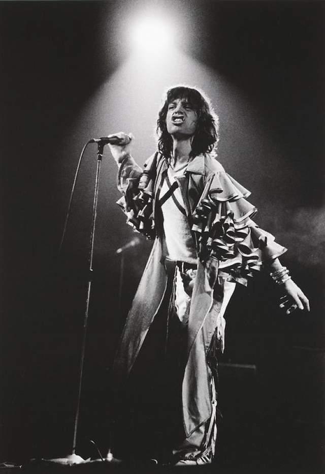 Созданный Джаггером образ уникален: его голос, временами грубый, временами женственный и мягкий, толстые губы, похотливая улыбка, недвусмысленные сексуальные движения на концертах перед многотысячной толпой, агрессия, энергичность и дурашливость и кривляние - все это сделало музыканта одним из самых популярных рок-фронтменом 60-х, а для The Rolling Stones стало фирменным стилем.