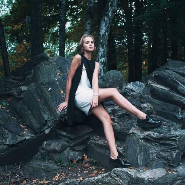 """Таня - дочь Ольги Кабо от первого брака с бизнесменом Эдуардом Василишеным - исполнили адажио из балета """"Шахерезада""""."""
