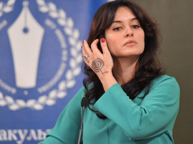 2009 год стал особенно насыщенным для Тины. Ведущая начала сотрудничать с рядом центральных каналов в России и за рубежом. В ее копилке участие в таких проектах, как «Две звезды», «Фестиваль Новая волна», «Форт Баярд» и «Ташир 2009».