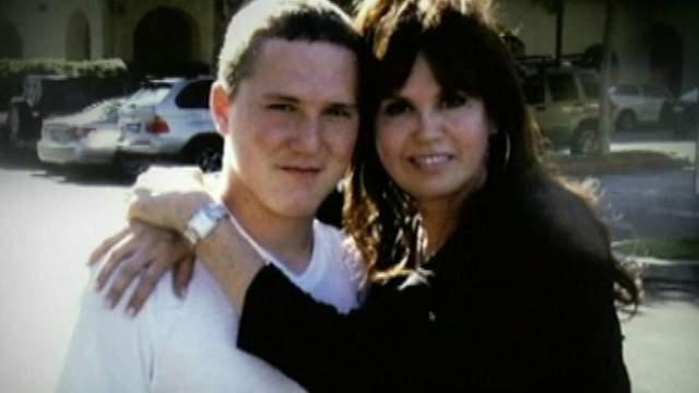 Но в 2010 году в ее семью пришла беда: сын Мари, Майкл, выбросился из окна своей лос-анджелесской квартиры на8 этаже.