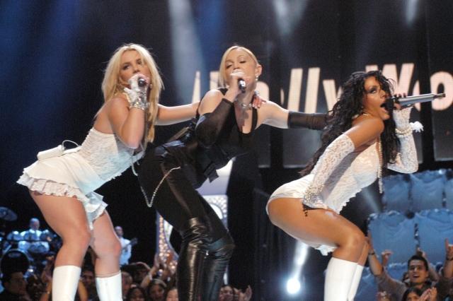 Кстати, тема девственности всплыла на церемонии вручения наград MTV Video Music Awards-2003: Спирс в наряде невесты исполнила хит Like A Virgin вместе с Мадонной и Кристиной Агилерой.