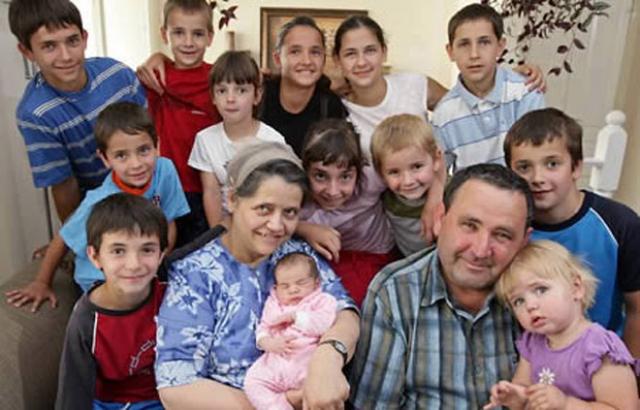 Чилийка Леонтия Альбина родила ребенка в 1981 году в возрасте 55 лет.