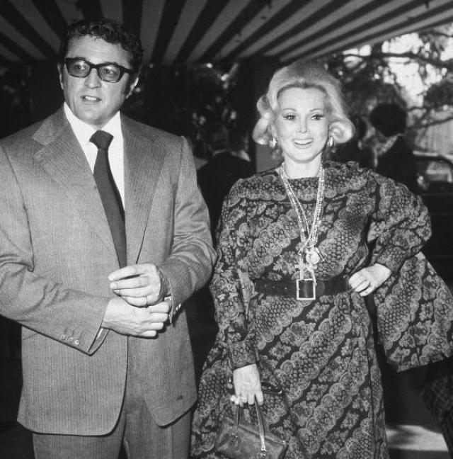 Затем 27 августа 1976 года актриса вышла замуж за адвоката, оформлявшего ее прошлый развод - Майкла О'Хара . Брак распался в 1982 году из-за ревности супруга.