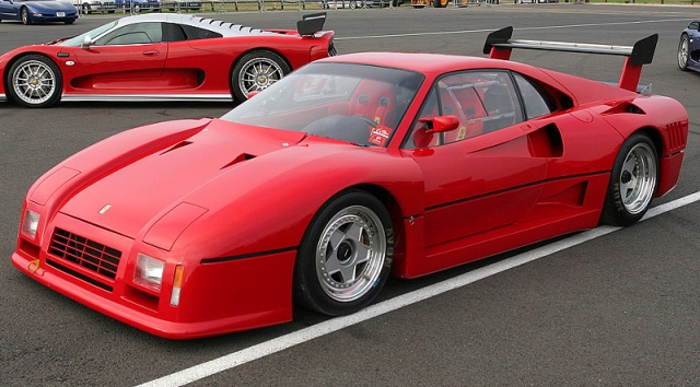 Ferrari 288 GTO Evoluzione - $2 000 000. Из пяти выпущенных автомобилей, на сегодняшний день, сохранились только три экземпляра, самой быстрой Ferrari восьмидесятых годов.