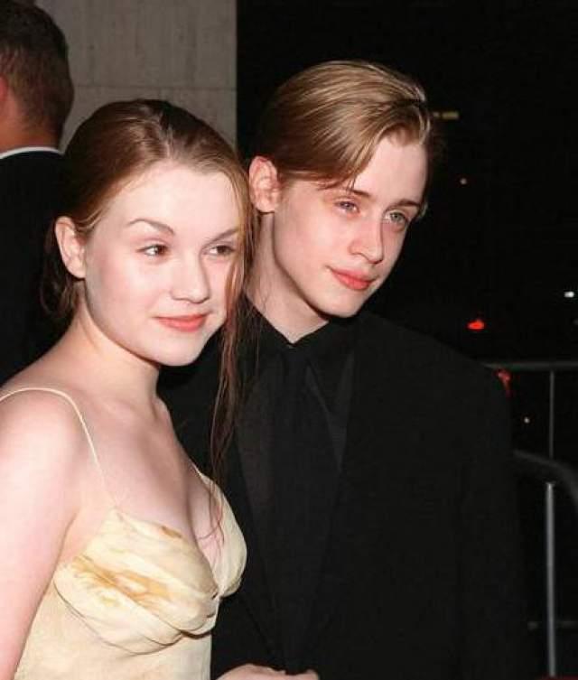 """Супругой звезды фильма """"Один дома"""" стала его девушка Рэйчел Майнер, с которой он встречался еще в школе."""