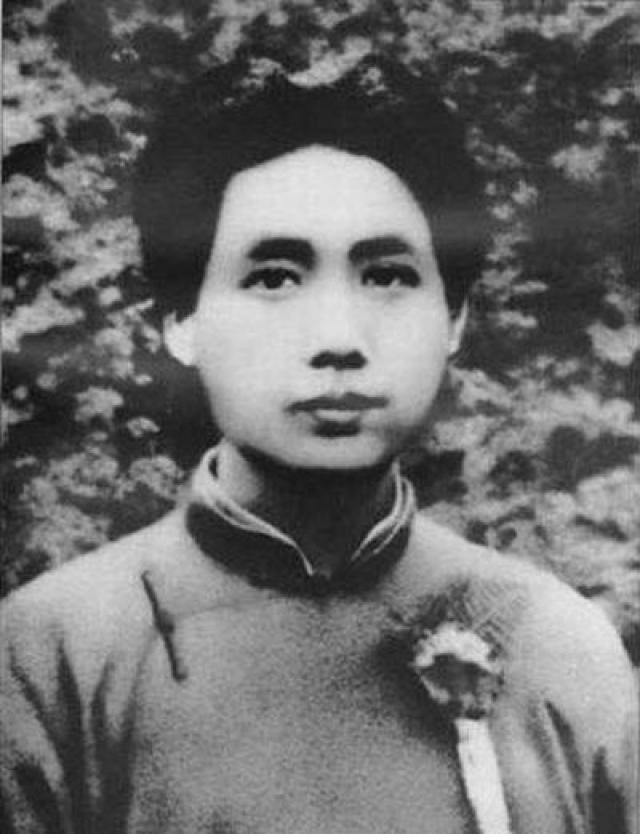 В молодости Мао Цзэдун придерживался взгляда, что люди не должны жить дольше 50 лет, а старики обязаны освобождать место для молодых.