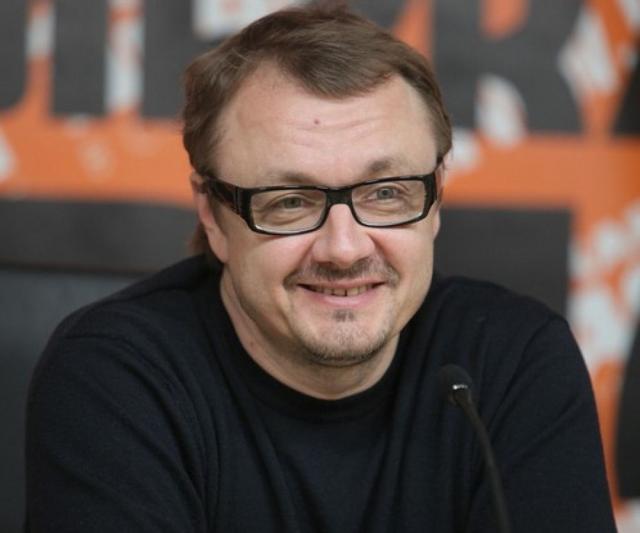 В настоящее время Шевельков продолжает сниматься, но не очень активно. С 1989 года он ушел в рекламный бизнес и даже организовал собственную компанию Production Centre, снявшую уже более 300 рекламных работ.