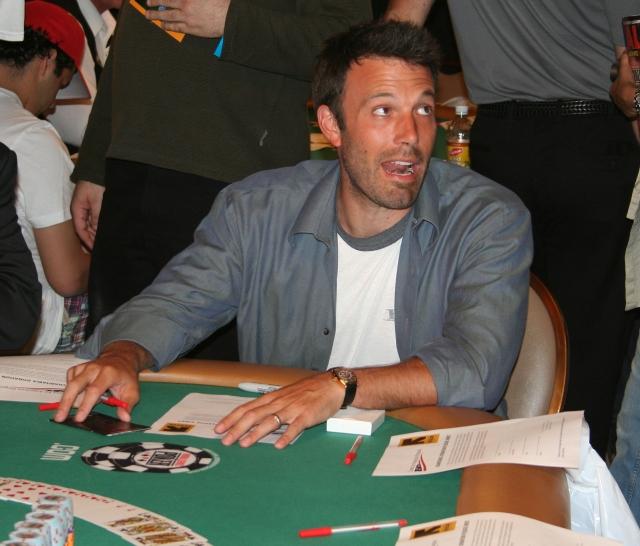 Бен Аффлек предпочитает покер и считается успешным игроком в среде профессионалов. Самым крупным достижением Аффлека является победа на турнире штата Калифорния с призом в 365 тысяч долларов.