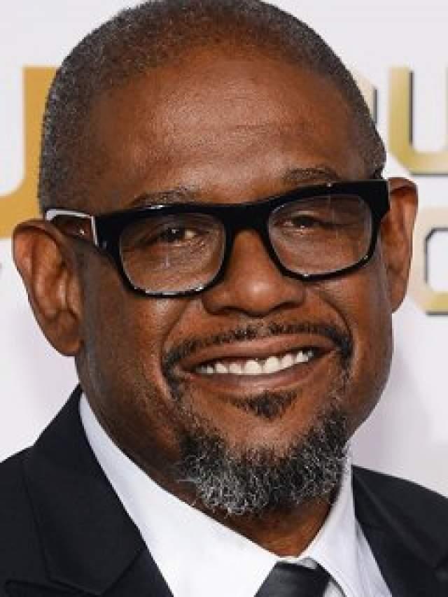 Сам актер считает, что ему следует сделать корректировочную операцию, но исключительно в медицинских целях: птоз ухудшает поле зрения и способствует деградации самого зрения.