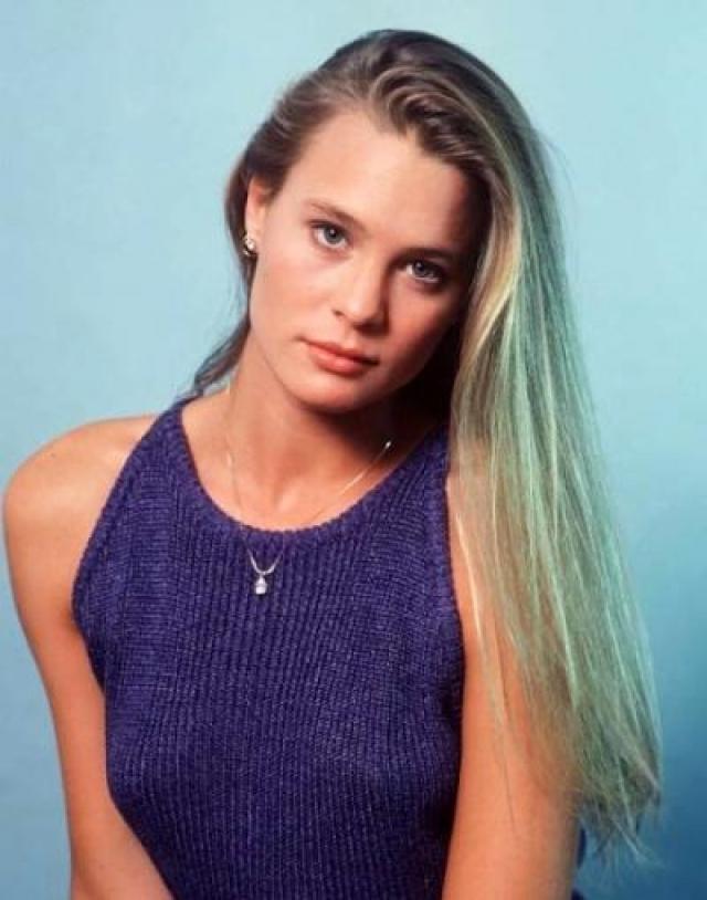 """Робин Райт. Келли Кэпвелл - дочь Сиси Кэпвелла. Робин получила эту роль в 17 лет. За нее трижды выдвигалась на дневную премию """"Эмми""""."""