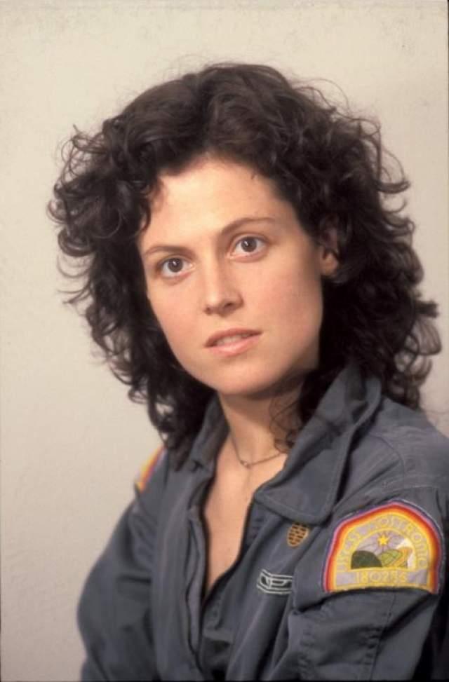 """Сигурни Уивер избавилась от волос в третьей серии фильма """"Чужой"""" в 1992 году."""