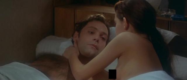 В фильме множество откровенных сцен, в которых ей приходилось сниматься со взрослым партнером Патриком Девэром.