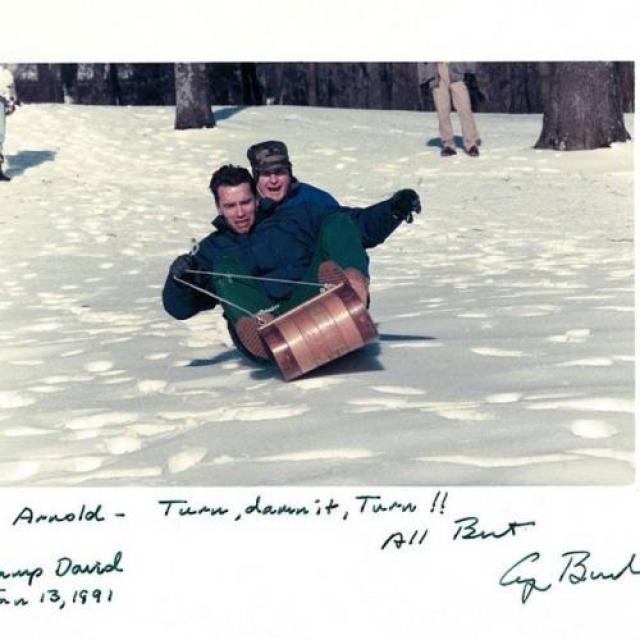 Арнольд Шварценеггер и Джордж Буш.