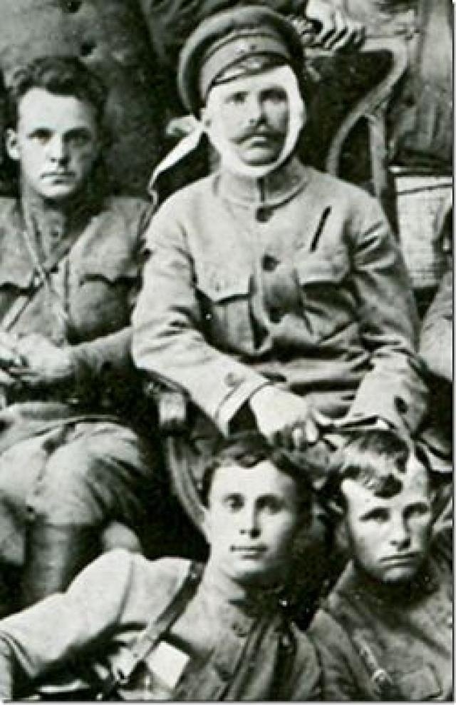 Существует немало версий обстоятельств его смерти. По основной он погиб (или застрелился) 5 сентября 1919 года в бою при нападении казаков на станицу Лбищенская, где размещался штаб 25-й стрелковой дивизии.