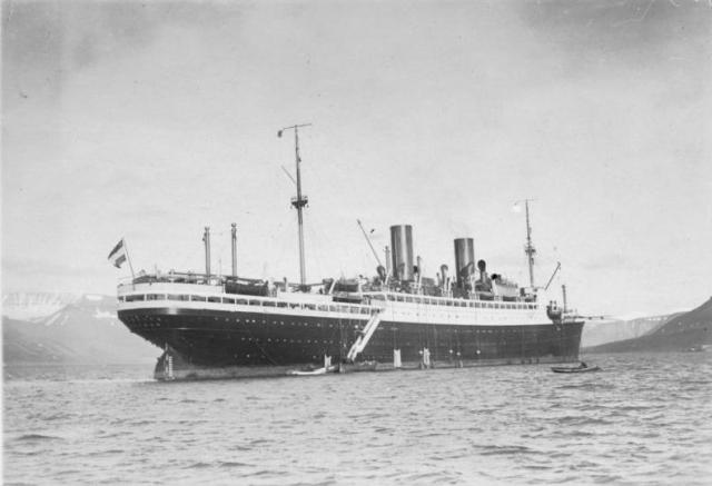 Это был головной корабль немецкого торгового флота, созданный после Первой мировой войны.