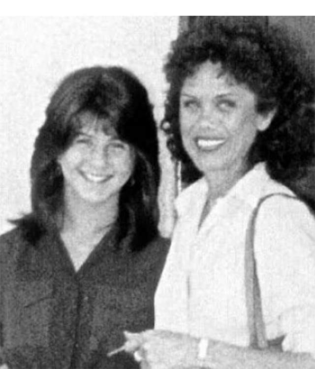 Дженнифер Энистон с мамой.