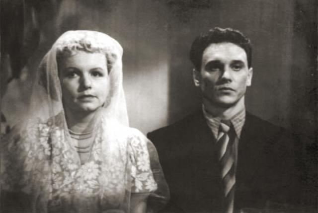 Муза Крепкогорская и Георгий Юматов. Всю свою жизнь актер прожил с одной женщиной, от которой был без ума. Детей у них не было. А потому после трагической и неожиданной кончины супруга женщина начала много пить и уже спустя два года также умерла.