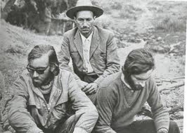 На девятый день пути в они встретили чилийского пастуха Серхио Каталану, который сообщил властям о выживших пассажирах рейса 571. Двое путешественников были спасены.