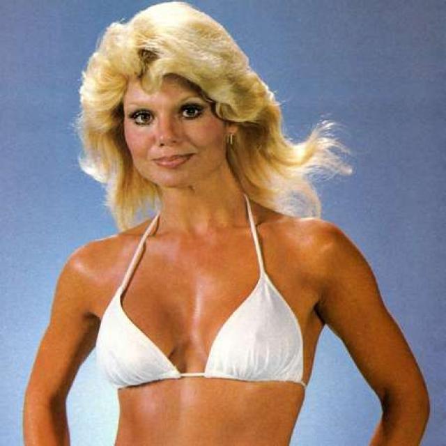 Лони Андерсон. Блондинка добилась известности благодаря образу ярких и комичных девушек в кино и на телевидении.