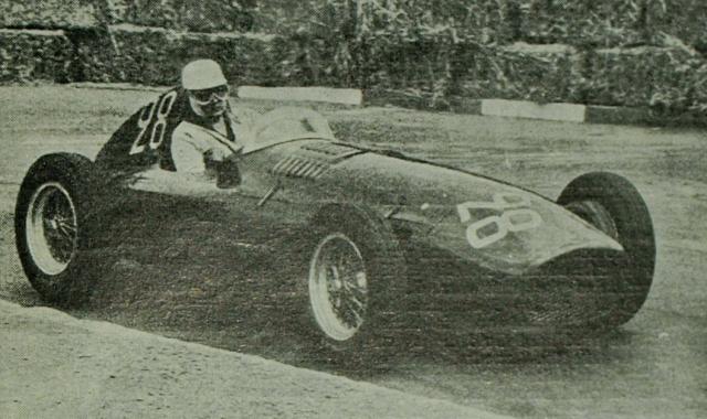 Марио Алборгетти погиб на своем первом Гран-при 11 апреля 1955 года. У него еще не хватало опыта для участия в профессиональных соревнованиях, а трасса автодрома По Франция считается слишком сложной для неопытного водителя, но было огромное желание и деньги.