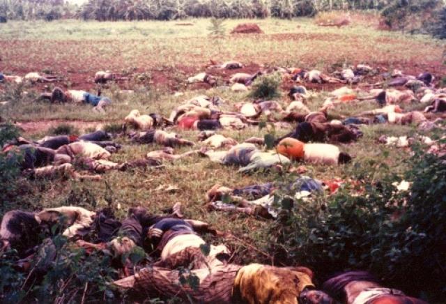 По свидетельствам очевидцев, озверевшие боевики сначала кастрировали всех бельгийцев, затем запихнули отрезанные половые органы им в рот и после жестоких пыток и издевательств застрелили.