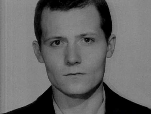 В сумме Сергей отсидел более 12 лет... 11 февраля 1995 года его убили в собственной квартире вместе с матерью, которая пыталась его защитить. Преступление не было раскрыто.