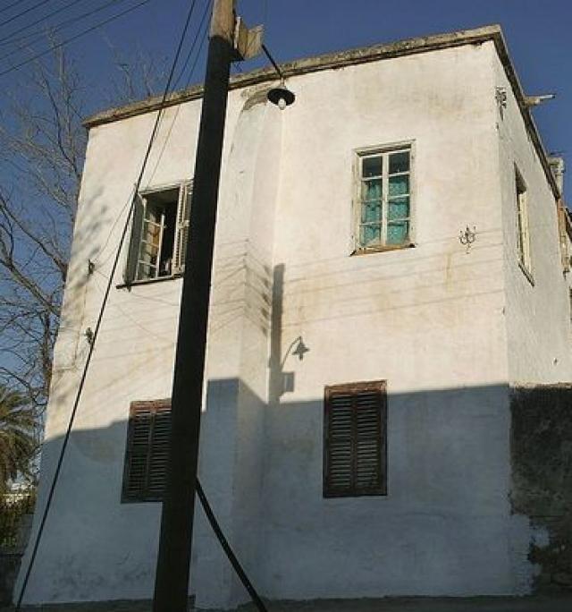 В 1974 году в Турции была объявлена всеобщая амнистия, под которую попал и Бразинскас-старший. Его тюремное заключение заменили домашним арестом в Стамбуле - аренду дома оплачивали активисты литовских организаций из США. В этом же доме поселился его сын Альгирдас.