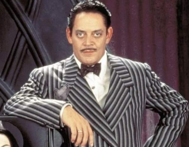 """Отчаянный (1995) Рауль Хулиа был уважаемым актером, вероятно, самая знаменитая его роль - Гомес Адама в фильме """"Семейка Аддамс""""."""
