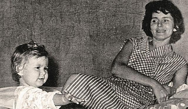 Юрий Яковлев. С первой супругой, Кирой Мачульской, студенткой медицинского, познакомился в Доме актера. Но вскоре после рождения ребенка супруги расстались. Актер встретил новую любовь.