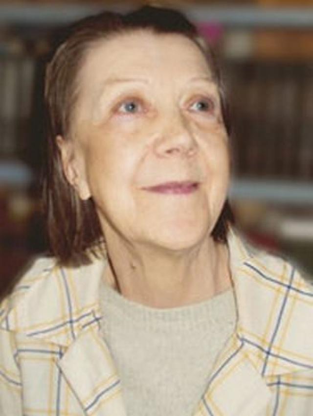 В молодости артистка снималась часто и много, но после смерти матери в 1982 году Носова замкнулась и почти не играла.