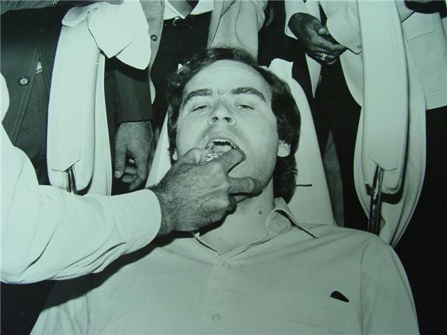 Убийца казнен на электрическом стуле в январе 1989 года.