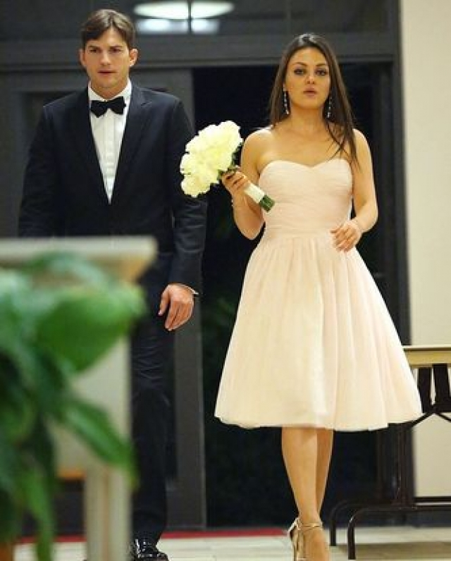 В марте 2015 года Кунис рассказала, что официально вышла замуж за Эштона Катчера. 15 июня 2016 года стало известно что супруги ожидают появления своего второго ребенка.