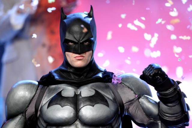 13. Брюс Уэйн – $9,2 млрд Наследник корпорации Wayne Enterprises и супергерой-миллиардер – нередкий гость в рейтинге Forbes. Вымышленная корпорация занимает 8 место в списке крупнейших международных конгломератов вселенной комиксов DC и является ведущим оборонным подрядчиком. Неудивительно, что Бэтмен всегда вооружен на отлично.