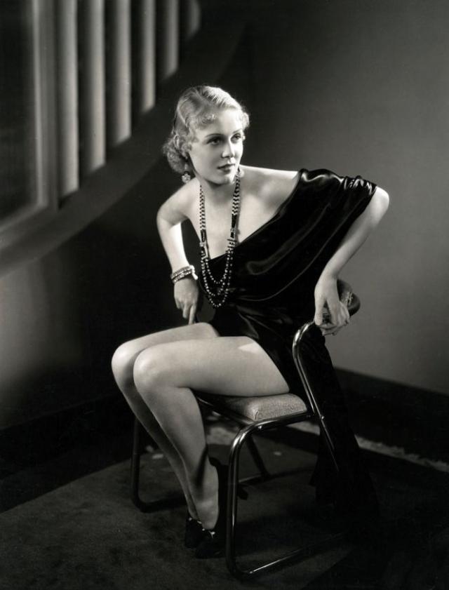 К концу 1930-х годов она снялась уже более чем в сорока фильмах, а в 1946 году и вовсе заявила, что устала от кино.