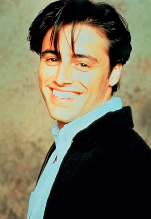 Мэтт Леблан - Джоуи Триббиани. После окончания съемок Мэтт стал единственным, для кого история его персонажа Джоуи не закончилась. Продюсеры предложили ему отдельный сериал с одноименным названием, который успешно просуществовал два сезона.
