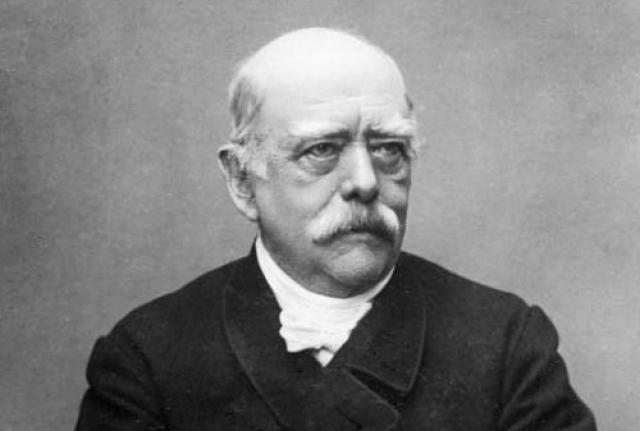 Дрался на дуэлях и первый канцлер Германии Отто фон Бисмарк , из двадцати семи поединков он проиграл только два сражения, получив легкие ранения.