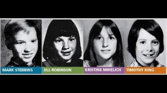 Марку Стеббинсу было 12 лет, столько же Джиллу Робинсону. Тимоти Кингу - 11 лет, Кристин Михелич - 10. Марк, Кристин и Тимоти были задушены и изнасилованы, каждый - разными предметами. Джилл была застрелена из дробовика в лицо, следов насилия не обнаружили, она была одета и даже с рюкзаком, с которым уходила в школу.
