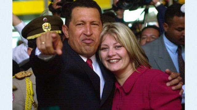 Марисабель Родригес вышла замуж за Уго Чавеса в 1998 году и через 4 года развелась.