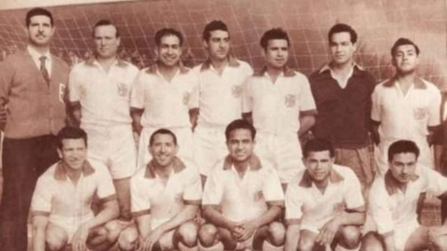 """3 апреля 1961 года, Линарес, футбольная команда Чили """"Грин Кросс"""". Douglas DC-3 в тот день выполнял пассажирский рейс из Темуко в Сантьяго. Футболисты и их тренер летели в числе обычных пассажиров."""
