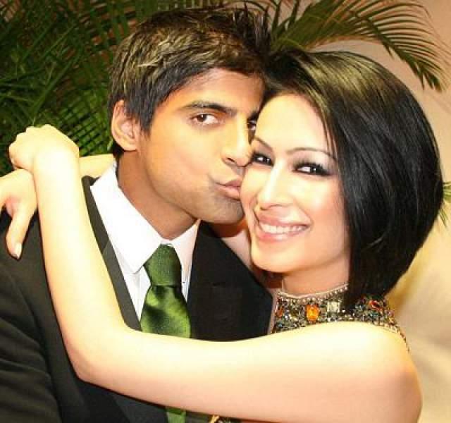 Сахар Дафтари Модель Сахар Дафтари была выброшена из окна 12-го этажа 20 декабря 2008 года, девушке было 23 года.