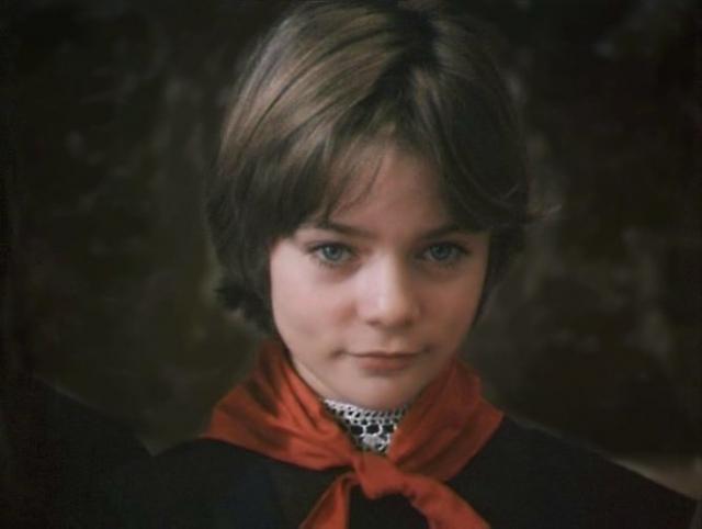 Наталья Гусева (Алиса Селезнева). При знакомстве с режиссером фильма Наташа так взволновалась, что, называя свой год рождения, оговорилась и вместо 1972-й назвала 1872-й.