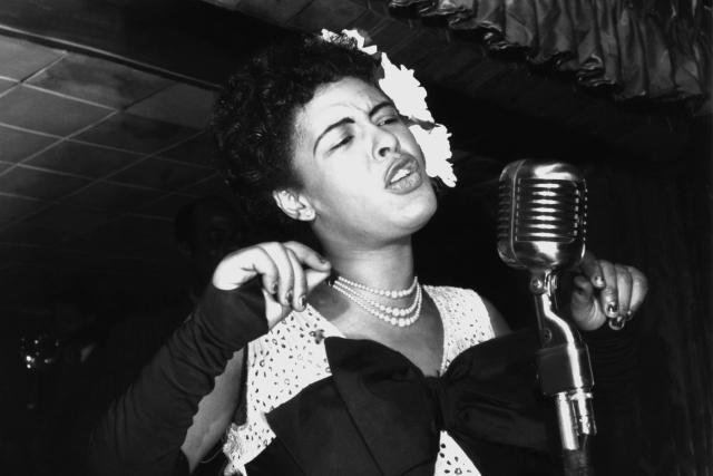 """Билли Холидей. """"Я никогда не причиню боли никому, кроме себя, но это только мое дело"""". Американская певица, во многом повлиявшая на развитие джазового вокала своим оригинальным стилем пения."""