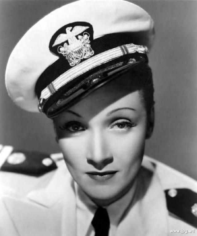 Напуганная ужасами фашизма, она наотрез отказалась возвращаться в Германию и получила американское гражданство в 1939 г. На родине она была объявлена предательницей.