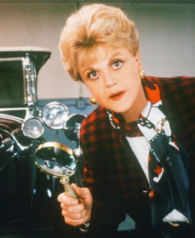 """Анджела Лэндсбери - Джессика Флэтчер. Актриса сыграла более чем в 60 фильмах, но вряд ли вы вспомните хотя бы одну помимо роли в сериале """"Она написала убийство""""."""