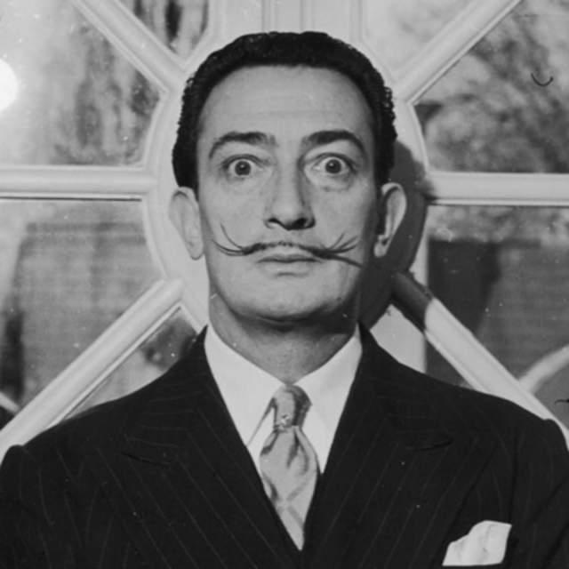 Сальвадор Дали. Усы сюрреалиста, пожалуй, самые узнаваемые в мире.