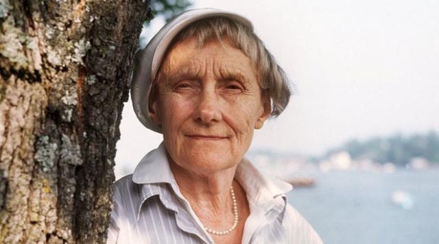 Однажды девочка заказала историю про Пеппи Длинныйчулок - это имя она выдумала тут же, на ходу. В 1944 году Астрид приняла участие в конкурсе на лучшую книгу для девочек и получила вторую премию, что стало началом большой популярности.