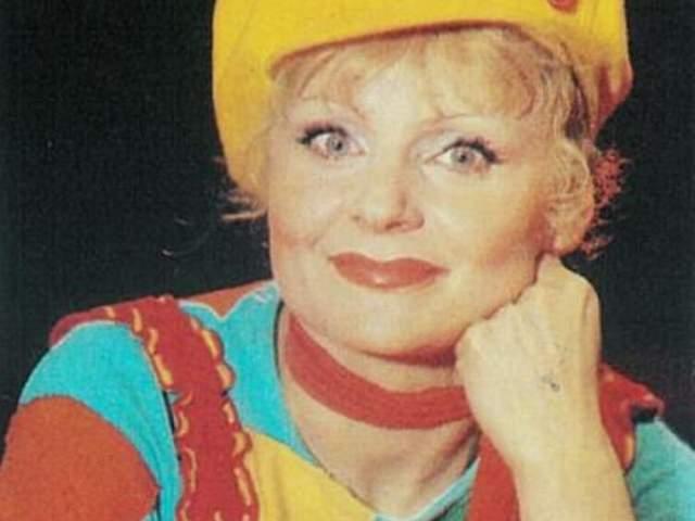 В 1985 году Асмус в АБВГДейке была заменена другой исполнительницей, значительно моложе нее.